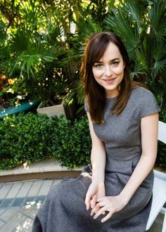 Welcome to Adoring Dakota Johnson, your source on actress Dakota Johnson, best known for her role as Anastasia Steele in 50 Shades of Grey. Dakota Johnson Street Style, Dakota Style, Anastasia Steele Outfits, Dakota Jhonson, Dakota Mayi Johnson, Don Johnson, Blonde Women, Models, Fifty Shades Of Grey