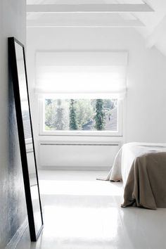 Ode to Things | Minimal Bedroom | Minimal Lifestyle | Simple Living