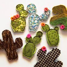 Broches cactus - Floral cactus brooch by alittlevintagestore on Etsy Fabric Brooch, Felt Brooch, Textile Jewelry, Fabric Jewelry, Crochet Kawaii, Sewing Crafts, Sewing Projects, Cactus Craft, Free Motion Embroidery