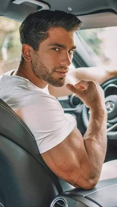 Just Beautiful Men, Beautiful Men Faces, Muscle Hunks, Muscle Men, Hunks Men, Handsome Faces, Male Photography, Male Physique, Hair And Beard Styles