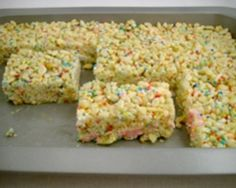 Rice puff bars are very popular with kids of all ages. Now you can make your own with this easy recipe that includes Rice Bubbles and marshmallows.