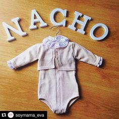 Nos encanta el regalito que hizo @soymama_eva  con nuestras #letras de madera!! Repost @soymama_eva with @repostapp. ・・・ REGALITOS ... Precioso regalito que nos ha llegado de parte de los . Pelele, camisa y rebeca de @goccokids todo un . Las letras son de @hostenshop a muy buen precio . @soymama_eva #abuelosmaravillosos #osqueremosabuelitos #canastillanacho #ropabonitabebe #regalitosnacho #instamamis #igers #mamibloguer