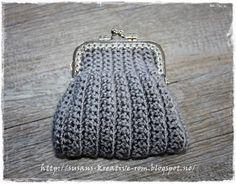 Innimellom strikkingen av Dorthe genseren så har det blitt litt hekling. Det er så mye inspirerende å se på nettet så det er lett å bli dist...