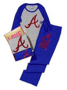 Presents on every PINK girl's wish list: the Baseball Tee & Boyfriend Pant Gift Set. The MVP gift for the lounge-lover. Part of the Victoria's Secret PINK Major League Baseball Collection. Atlanta Baseball, Baseball Gear, Baseball Shoes, Braves Baseball, Atlanta Braves, Baseball Equipment, Baseball Stuff, Softball, I Love Fashion