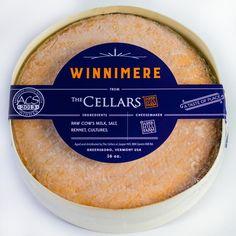 WINNIMERE Un queso suave y corteza lavada elaborado con leche cruda de vaca y envuelto en corteza de abeto. Greensboro, Vermont