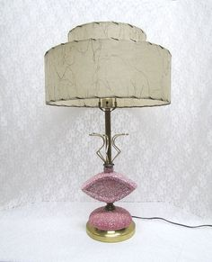 pink atomic lamp for 50 smacks Mid Century Decor, Mid Century Style, Mid Century Furniture, Mid Century Design, Vintage Lamps, Vintage Pottery, Kitsch, Funky Lamps, Atomic Decor