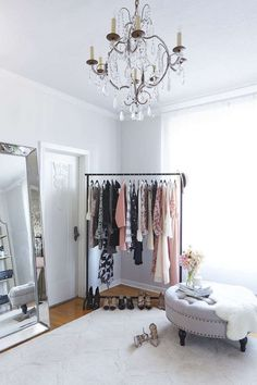 How to decorate your home and personal office with a Parisian-inspired style: room How to Decorate Your Home Office Space with Parisian Style and Old Hollywood Glamour Vanity Room, Closet Vanity, Vanity Decor, Glam Room, Home Office Space, Office Spaces, Work Spaces, Dream Closets, Small Closets