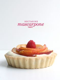 Nectarine Mascarpone Tart - possibly on the menu for our Labor Day Weekend Party Mini Tart Pans, Tart Shells, Good Food, Yummy Food, Food Processor Recipes, Sweet Tooth, Sweet Treats, Favorite Recipes, Sweets