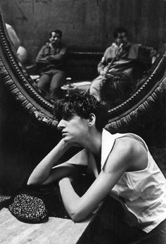 ferdinando scianna(1943- ), egypt, cairo: fashion story with gisele zelahui, in the mirror cafè. 1989