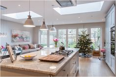 Awesome Roof Lantern Extension Ideas - The Urban Interior Open Plan Kitchen Living Room, Kitchen Family Rooms, New Kitchen, Kitchen Decor, Kitchen Ideas, New England Kitchen, Kitchen Interior, New England Decor, Kitchen Sofa