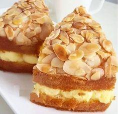 Malzemeler; 4 yumurta 1 su bardağı seker Yarım çay bardağı süt Yarım çay bardağı sıvı yağ 1 yemek kaşığı nişasta 1 paket kabartma tozu 1 paket vanilya Yaklaşık 1,5 su bardağı un (Kek kıvamında olacak ) Üzerine; Bir paket file badem Bal Arasına; 1 paket pişmeyen vanilyalı puding (Krem Ole) Puding için; 250 ml süt … Armenian Recipes, Turkish Recipes, Tea Cakes, Cupcake Cakes, Honey Dessert, Mousse Au Chocolat Torte, Desert Recipes, Cake Recipes, Cheesecake