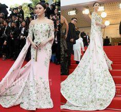 2015 68th Cannes Film Festival Elegant Long Sleeve Train Applique Embroidery Mermaid Red Carpet Evening Celebrity Dresses