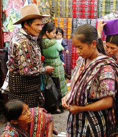 Un domingo en el mercado de Sololá
