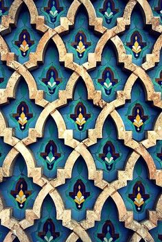 Moroccan tiles \\ the intricate pattern + jewel tones. Bright bold jewel tones are big for Tile Patterns, Textures Patterns, Color Patterns, Print Patterns, Colour Schemes, Islamic Architecture, Art And Architecture, Motif Oriental, Moroccan Tiles