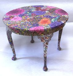 Things You Need To Know About Decoupage Furniture Ideas - Trend Crafts Things You Need To Know About Decoupage Furniture Ideas Art Furniture, Decopage Furniture, Funky Painted Furniture, Painted Chairs, Upcycled Furniture, Furniture Projects, Furniture Makeover, Decoupage Chair, Decoupage Ideas