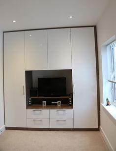 Risultati Immagini Per Bedroom Wardrobe With Tv