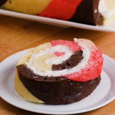 Neapolitan Swiss Roll (without strawberry) - Desserts Just Desserts, Delicious Desserts, Yummy Food, Italian Desserts, Health Desserts, Baking Recipes, Cake Recipes, Dessert Recipes, Yummy Treats