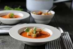SØSTRENE VIRVELVINDS KLIN KOKOS TOMATSUPPE Eton Mess, Pulled Chicken, Frisk, Thai Red Curry, A Food, Waffles, Food Porn, Vegan, Dinner