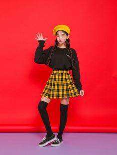 Korea Fashion, Asian Fashion, Girl Fashion, Fashion Outfits, Harajuku Fashion, Kawaii Fashion, Mode Kawaii, Fashion Model Poses, Poses References