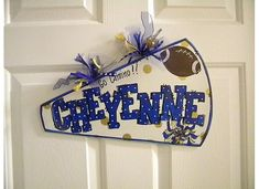 Pinterest Cheerleading Gifts | Cute DIY cheerleader gift | cheerleading gift ideas