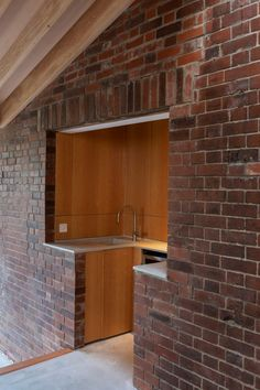 Wohnideen Oliver Chapman Architects combines technology and craft in Flitch House architecture Architects Architectural Design residential Chapman combines craft Flitch House Oliver technology Wohnideen Architecture Today, Concept Architecture, Residential Architecture, Architecture Details, Interior Architecture, Küchen Design, House Design, Architectural Design House Plans, Home Technology