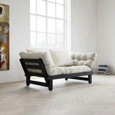 BEAT er en to seters sovesofa som kan bli forvandlet i sengen eller sjeselong, hver side av sofaen - deco og design