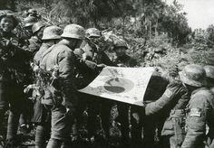 昆仑关之战掳获的日军军旗,该战中国军队伤亡一万四千人,日军伤亡一万七千人。
