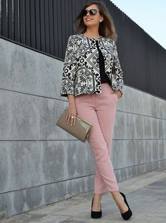 Trendy how to wear pink pants rose quartz 19 Ideas Summer Office Outfits, Fall Outfits, Casual Outfits, Fashion Outfits, Pink Pants Outfit, Blouse Outfit, Womens Fashion For Work, Work Fashion, 50 Fashion
