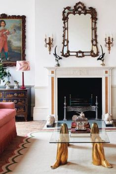 Established in London by founders Mary Graham and Nicole Salvesen, Salvesen Graham creates beautiful classic interiors from city to country to coast. Find out more here!