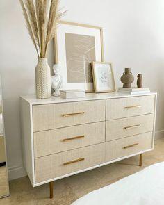Dresser Top Decor, Bedroom Dresser Styling, Dresser In Living Room, Dresser As Nightstand, White Bedroom Dresser, Dresser Ideas, Gold Bedroom, Dresser Drawers, Modern Chic Bedrooms