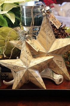 different paper .... could be used for spring, summer, 4th, etc ... Paper Star Tutorial - I have to do this above my piano!