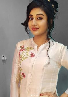 Paridhi sharma L Wedding Lehenga Online, Indian Star, Indian Fashion Dresses, Stylish Girl Pic, Most Beautiful Indian Actress, Girls Dpz, Girl Pictures, Girl Pics, Floral Tops