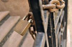 #locker #gate #photography #street #daylight