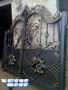 Фотография Grill Gate Design, House Main Gates Design, Iron Gate Design, Fence Design, Door Design, Wrought Iron Driveway Gates, Metal Gates, Iron Furniture, Iron Art