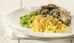 Kipkarbonades met champignons, snijbonen en tagiatelle