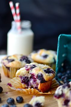 The best blueberry muffin recipe ever! Perfectly moist with a tall, sparkly crown. Just one bowl! Plus muffin tips and troubleshooting! Sub milk for almond milk and sour cream for non dairy yogurt and add strawberries Muffin Recipes, Baking Recipes, Breakfast Recipes, Dessert Recipes, Desserts, Dessert Food, Breakfast Muffins, Mini Muffins, Best Blueberry Muffins
