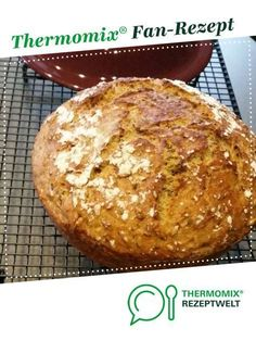 Colorful carrot bread from assistant-pa. A Thermomix ® recipe from the category . - Colorful carrot bread from assistant-pa. A Thermomix ® recipe from the Bread & Buns category www. Pampered Chef, Easy Bread Recipes, Egg Recipes, Food Carving, Vegan Bread, Quinoa Bread, Food Garnishes, Bread Bun, Recipes