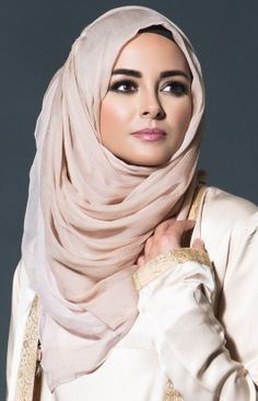 BLUSHING TAN HIJAB - Dusty pink and soft beige are fused together to bring you Blushing Tan, an all time favourite combination that matches well with most Aab Abayas