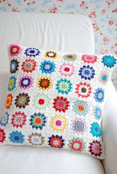 Is there anyone who doesn't love to make granny squares ?