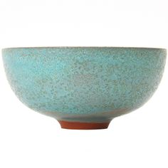 A thin and light clay bowl with a rough texture, made by Gertrud and Otto Natzler