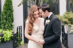 Photography: Kelly Kollar Photography - kellykollar.com   Read More on SMP: http://www.stylemepretty.com/2015/03/26/glamorous-art-deco-inspired-wedding/