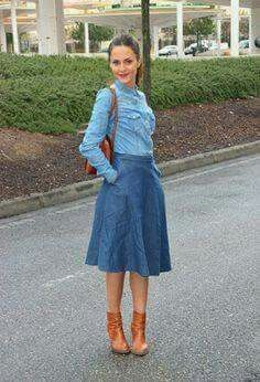 52 Latest Casual Style Looks To Inspire Every Woman - Daily Fashion Outfits A Line Skirt Outfits, Denim Skirt Outfits, Denim Outfit, A Line Skirts, Denim Skirts, Modest Casual Outfits, Modest Dresses, Modest Fashion, Midi Rock Outfit