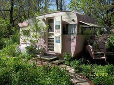 Little cottage caravan in the woods!