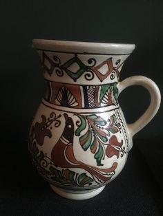 I LOVE this kind of Romanian Korond pottery Now available a Stunning handpainted Mooie handbeschilderd tradionele keramiek kruik / karaf i. Beauty Shop, Vintage Beauty, Vintage Shops, Folk, Artsy, Ivory, Museum, Pottery, Hand Painted