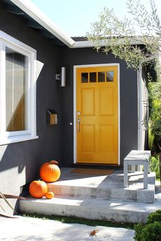 Bold front door colors house Ideas for 2019 Exterior Paint Colors For House, Paint Colors For Home, Exterior Colors, Paint Colours, Wall Colours, Dark Grey Houses, Yellow Houses, Grey House White Trim, Colorful Houses
