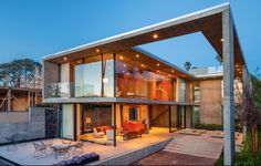House in La Jolla by Jonathan and Wendy Segal
