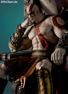 God of War: Kratos on thrones, Statue ... http://spaceart.de/produkte/gow001.php