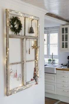 latest pictures farmhouse christmas tips funny angel diy for christmas or . , latest pictures farmhouse christmas tips funny angel diy for christmas or new wire angel, pomponetti Christmas Porch, Christmas Deco, Christmas Nails, Green Christmas, Christmas Stockings, Diy Home Decor, Room Decor, Vintage Windows, Porch Decorating