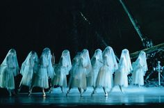 Giselle is my favorite ballet.