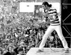 Frank Zappa speaks up Frank Vincent, Live Rock, Frank Zappa, Man Crush, Pop Music, Rock N Roll, Memories, Concert, American